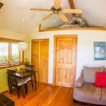 Ocean View Studio Cabin - Interior