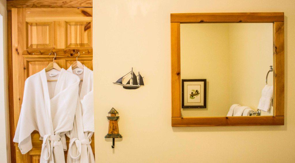 Ocean View Studio Cabin - Bathroom