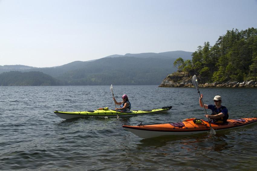 RS2099 Tuwanek kayakers2-scr